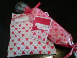 Vday heat pack gift set
